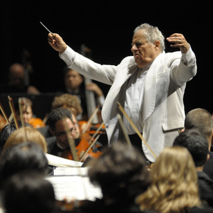 David Effron will conduct the Summer Philharmonic Orchestra on June 28