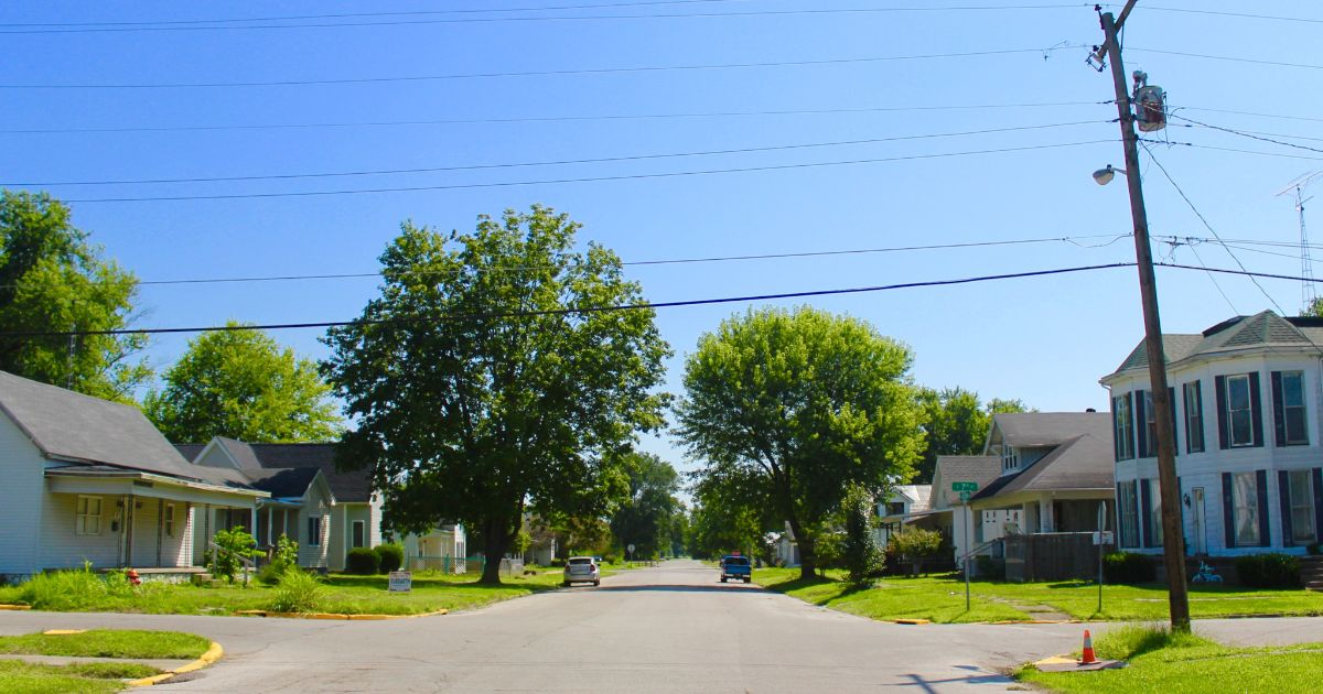 A residential street in Mitchell, Indiana