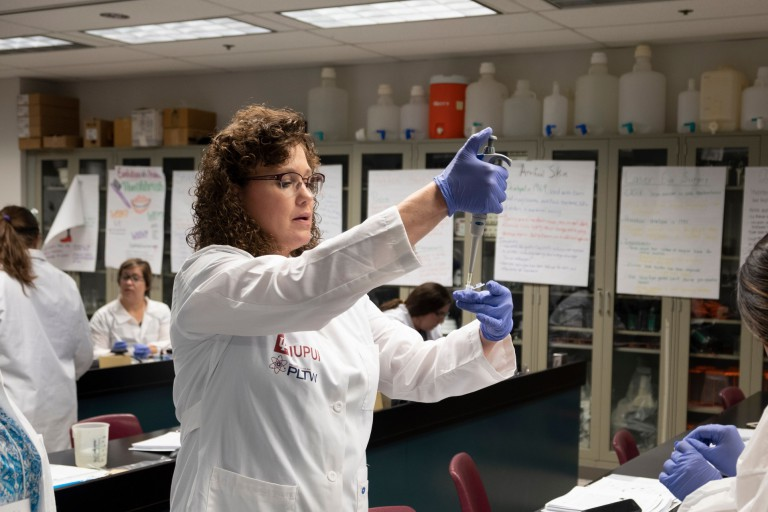High school teacher engages in Project Lead The Way training at IUPUI