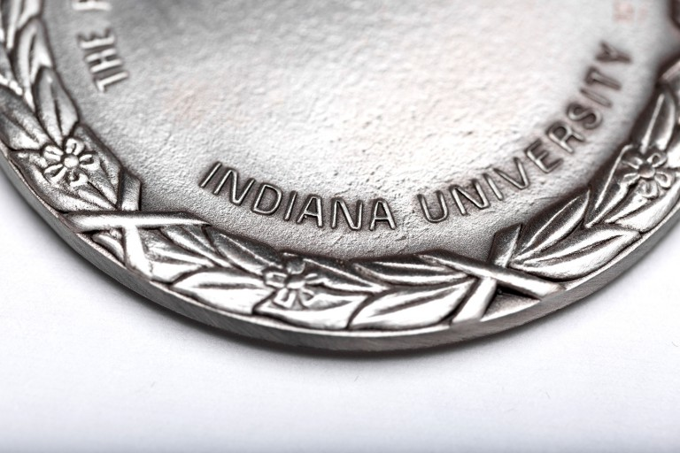 An IU medal