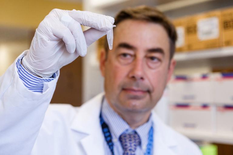 Alexander Niculescu in research lab