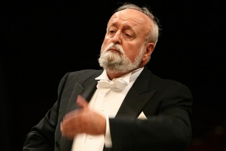 Maestro Krzysztof Penderecki conducting