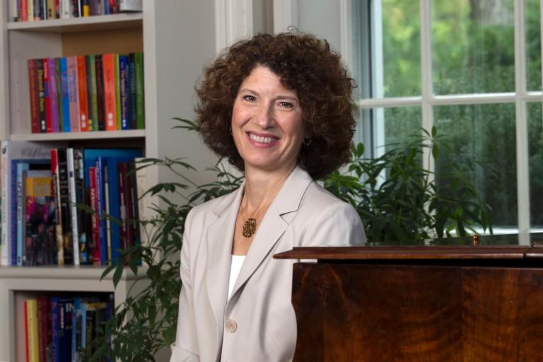 IU First Lady Laurie Burns McRobbie