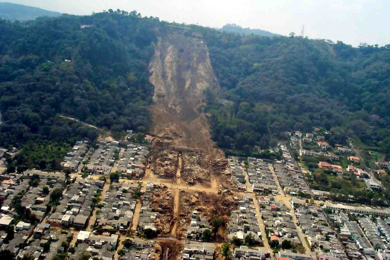 Earthquake-induced landslide in El Salvador
