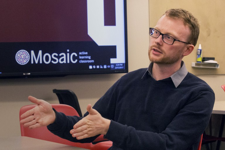 English professor Andy Buchenot leads a Mosaic active learning class.