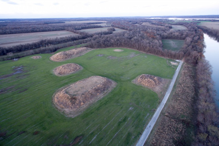 Aerial photo of Avery Lake and Kincaid Mounds
