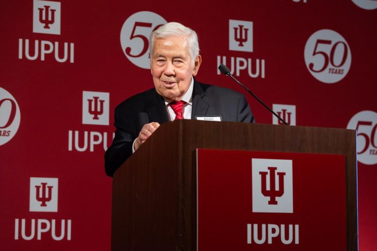 Former U.S. Senator Richard Lugar at a podium.