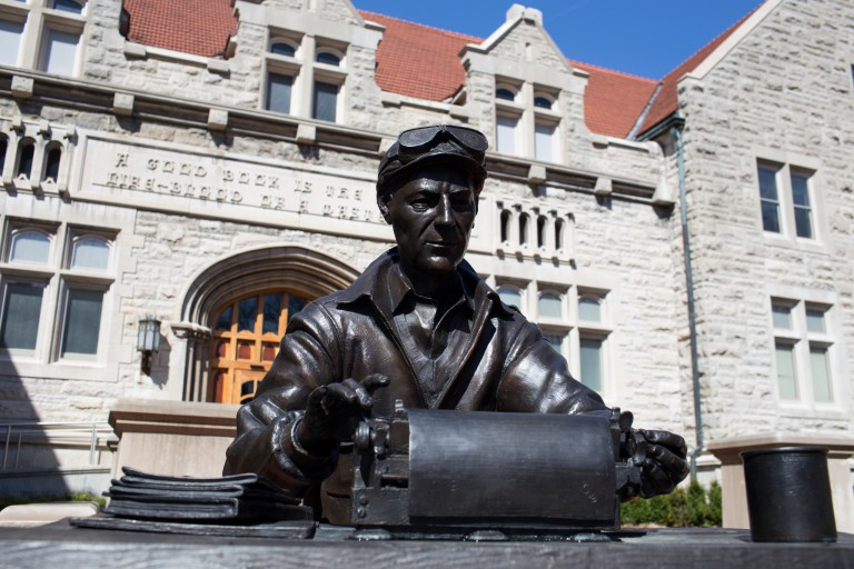 Ernie Pyle statue in front of Franklin Hall
