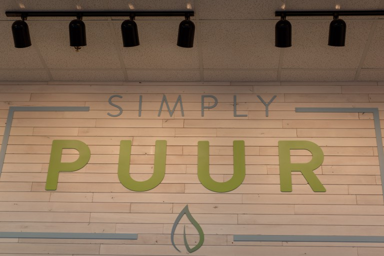 Simply Puur sign