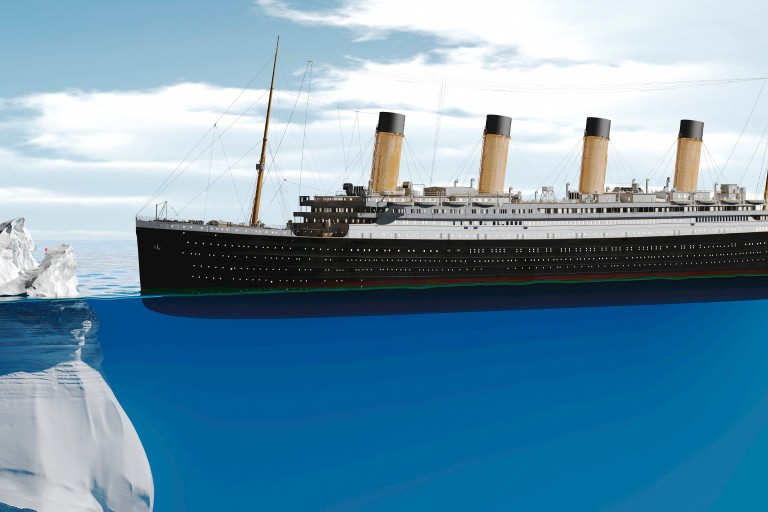 Image of the Titanic approaching an iceberg