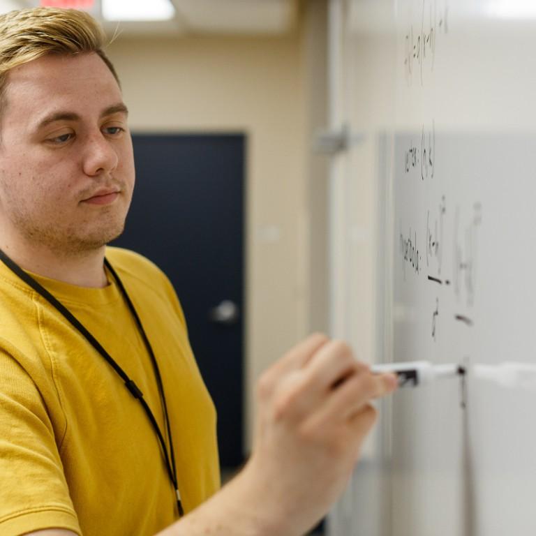 Duncan Hitti writes formulas.