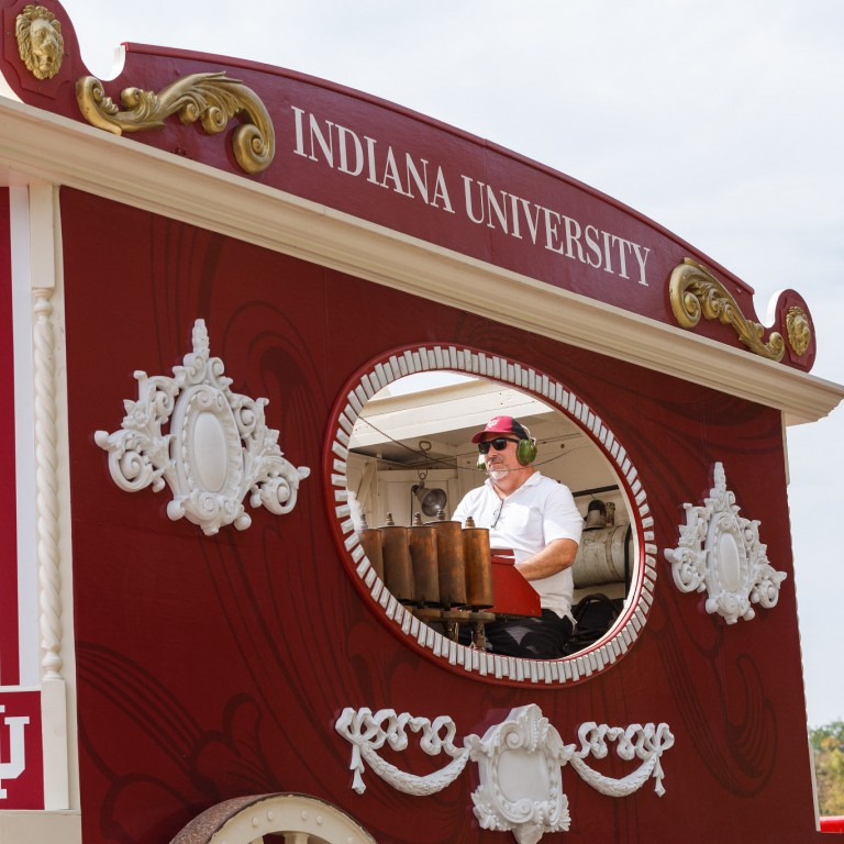The Indiana University calliope added to the festival entertainment.