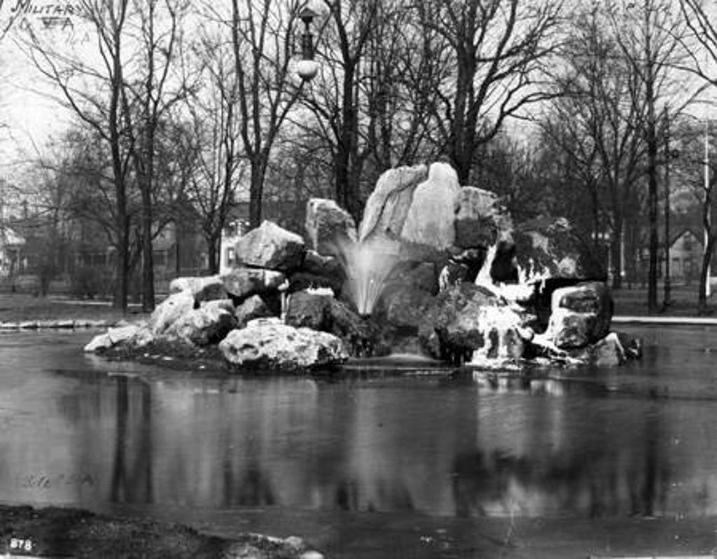 Military Park, fountain, 1903