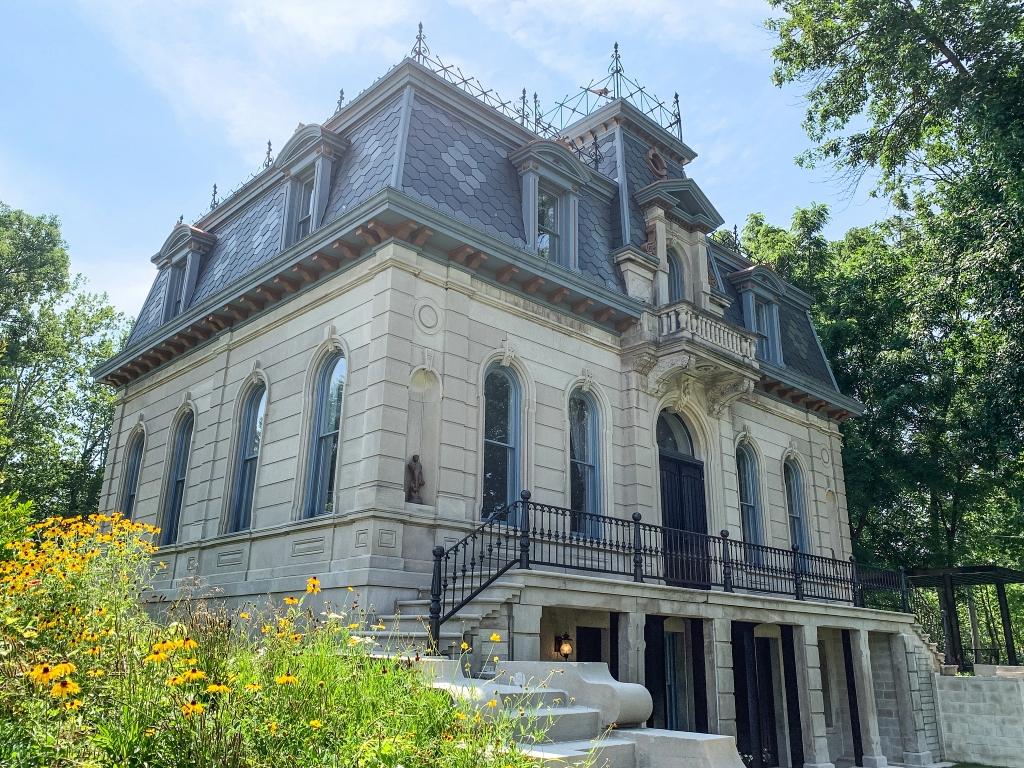 the matthews mansion in ellettsville