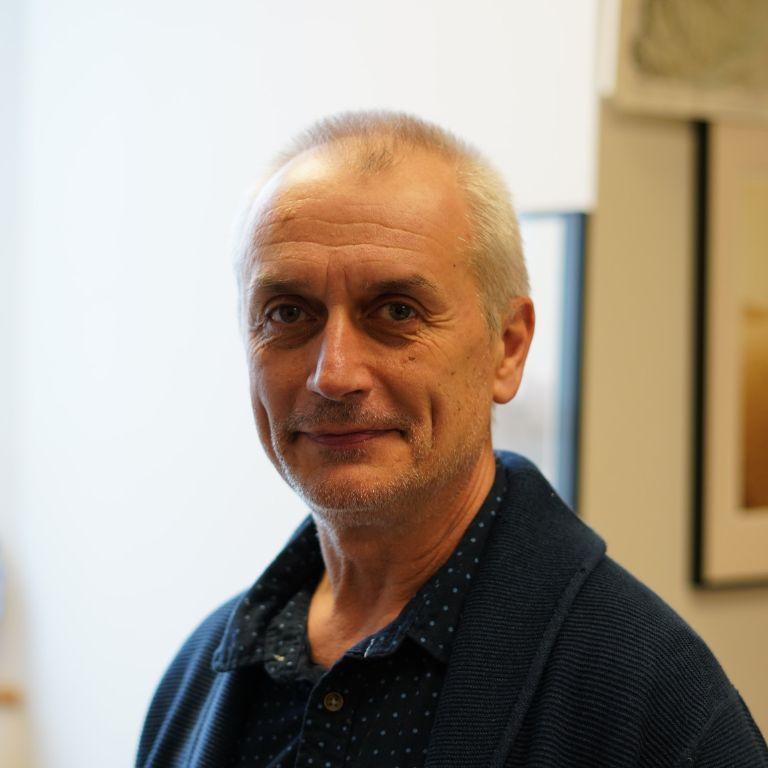 Chemistry professor Bogdan Bragnea