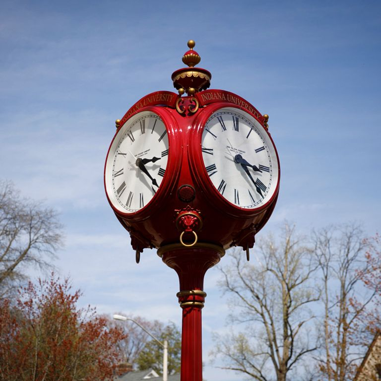 A red clock on the IU Bloomington campus