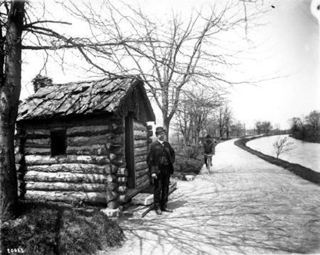 Military Park, log cabin, 1910