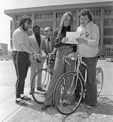 A group of people on IUPUI's campus in 1974.