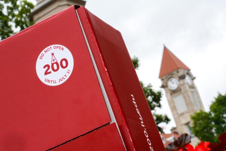 Bicentennial box