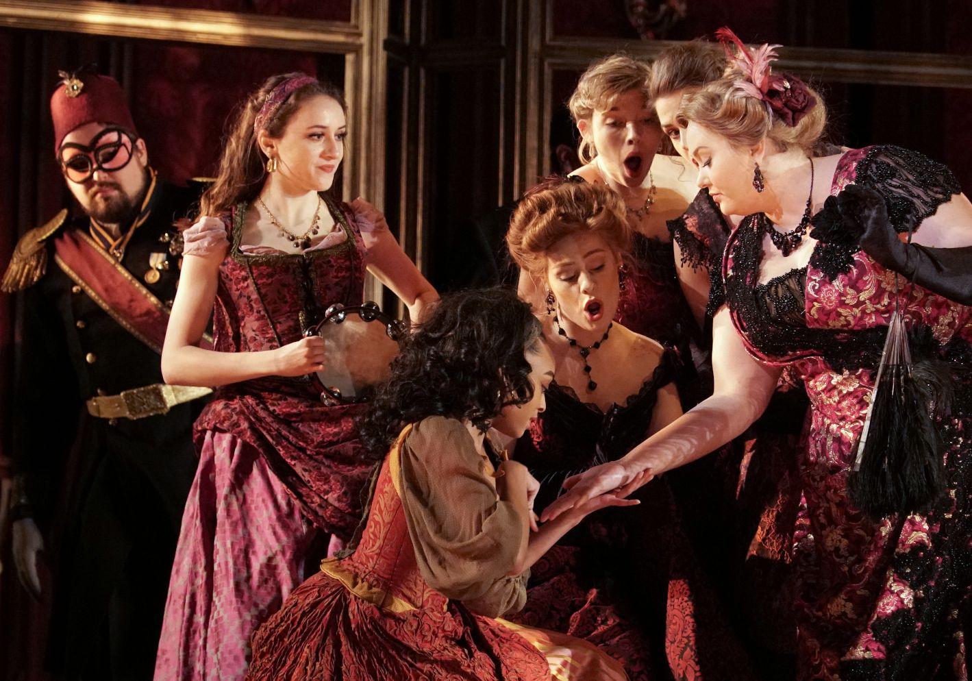 """Chorus members of """"La Traviata"""""""