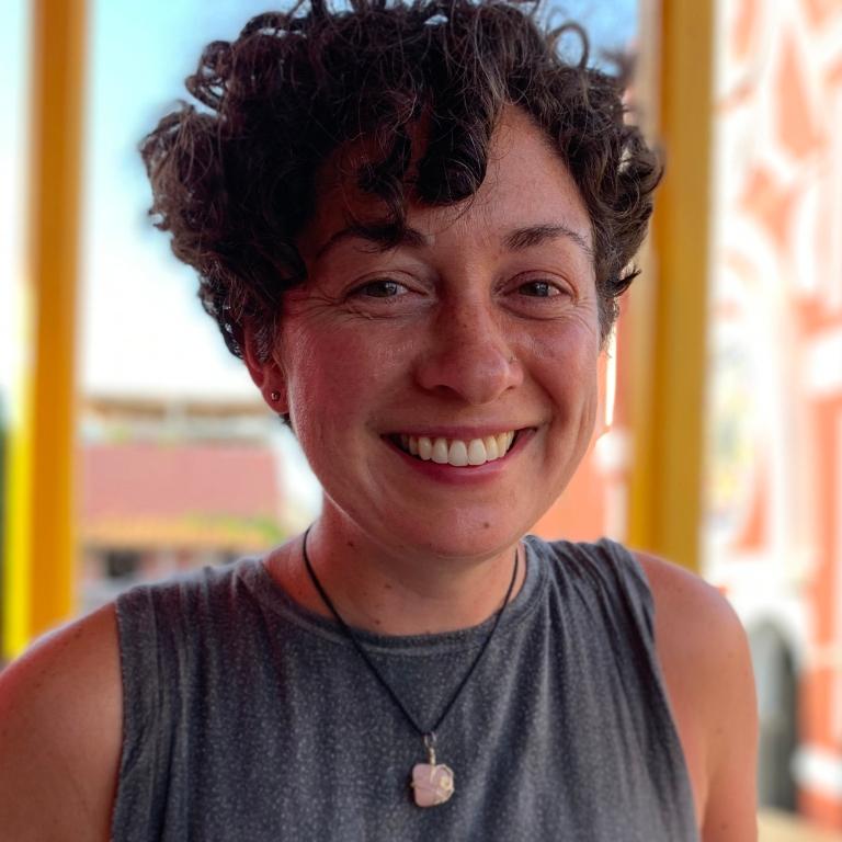Jayne Deely